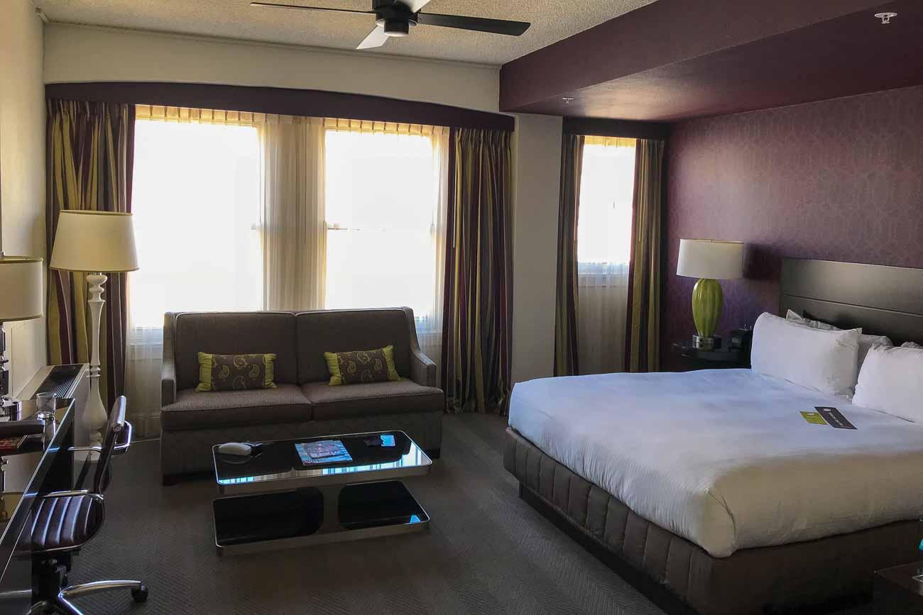 Hotel Adagio King Room