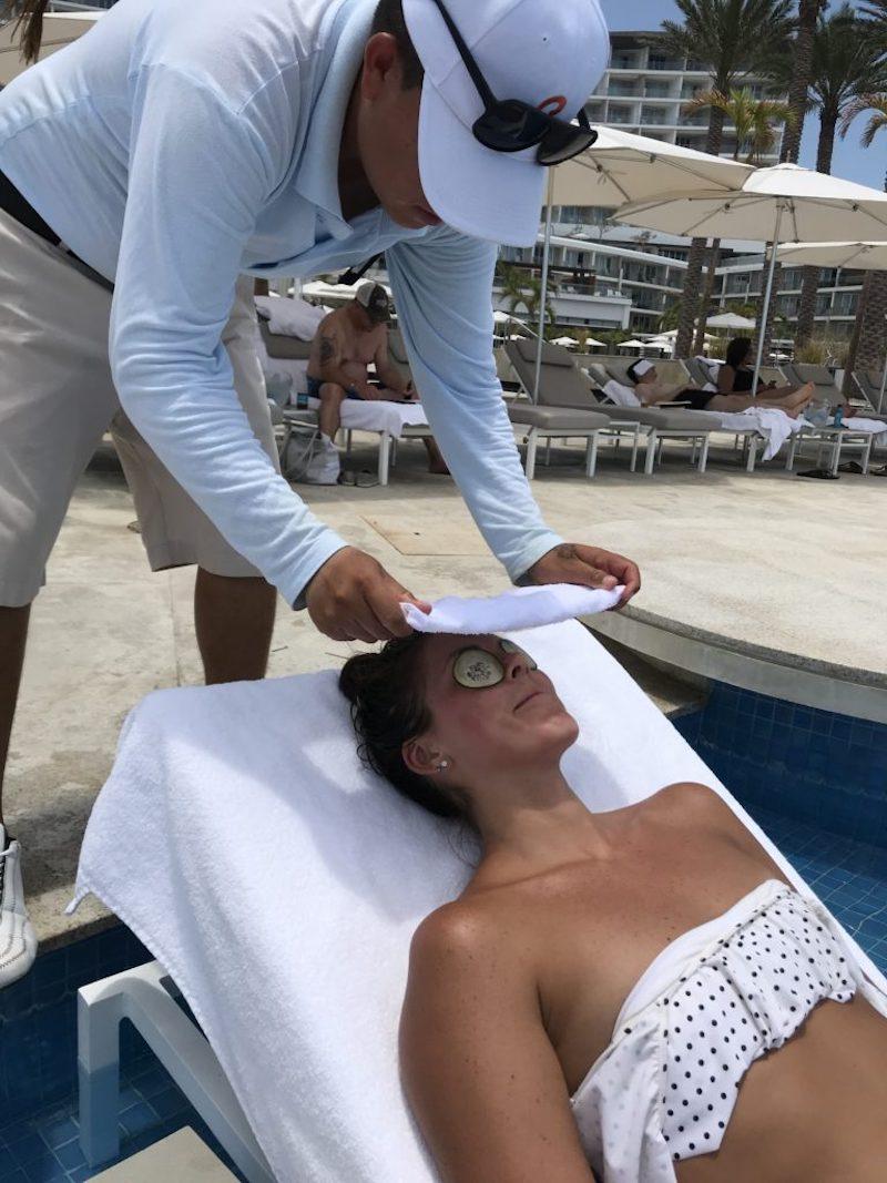 Le Blanc Spa Resort Cabo pool service
