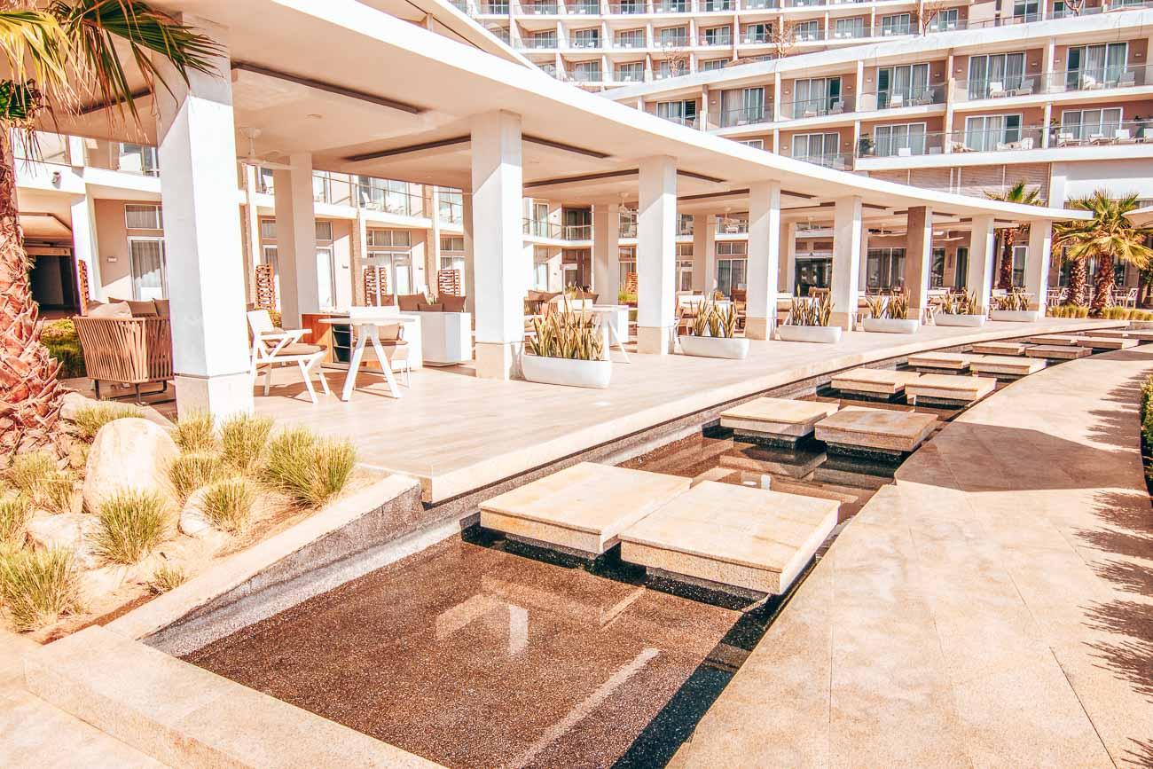 Le Blanc Spa Resort Cabo pool area