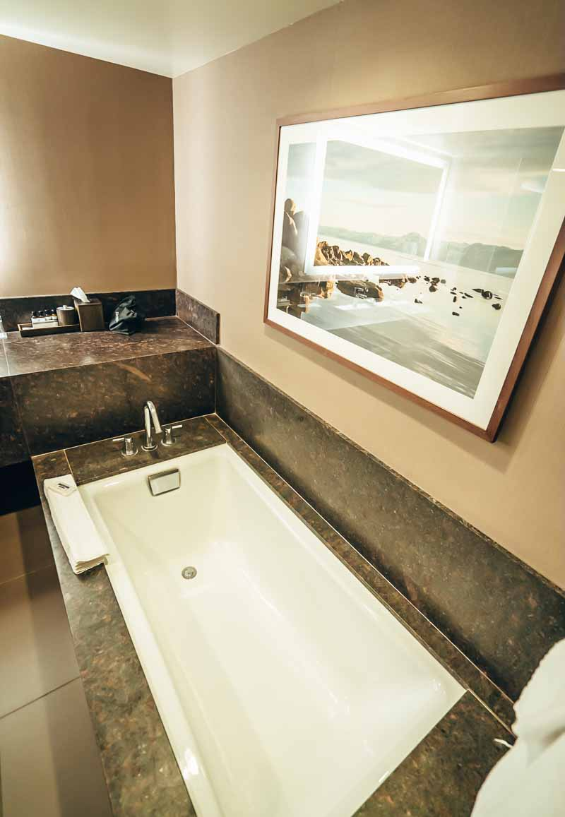 Hyatt Regency Lake Tahoe bathroom