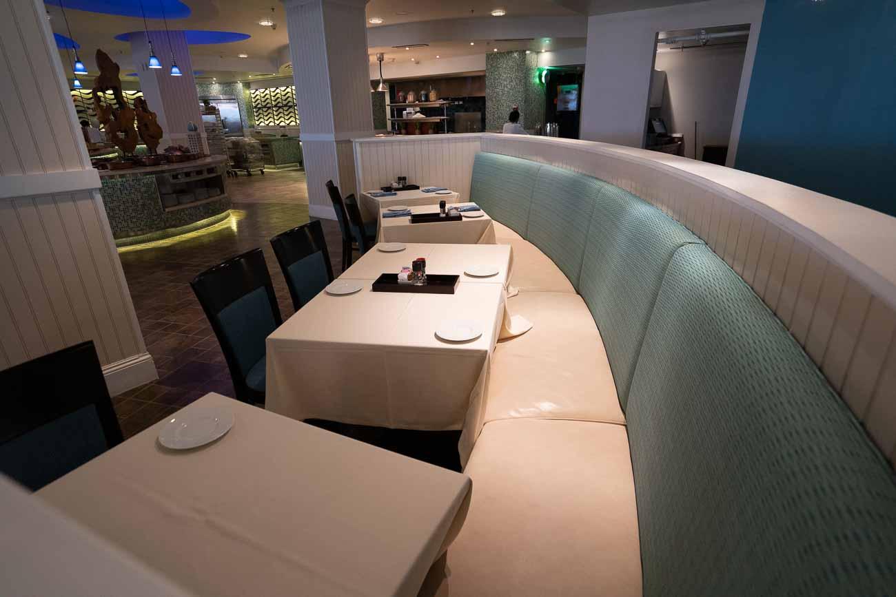 Dining at Marriott Stellaris Aruba