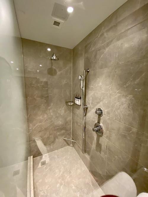 corner suite showerGrand Hyatt SFO