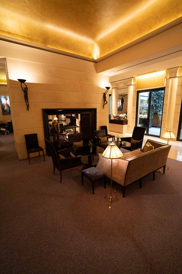Park Hyatt Paris lobby