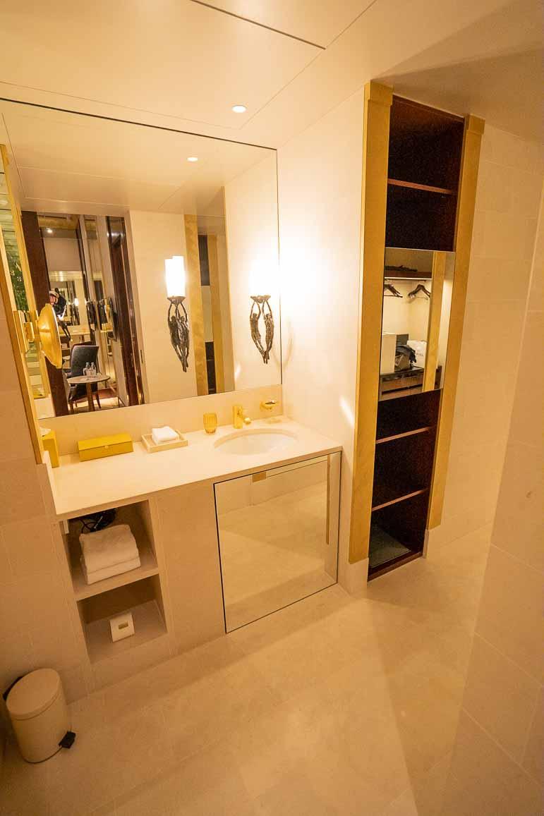 Park Hyatt Paris Presitge Suite