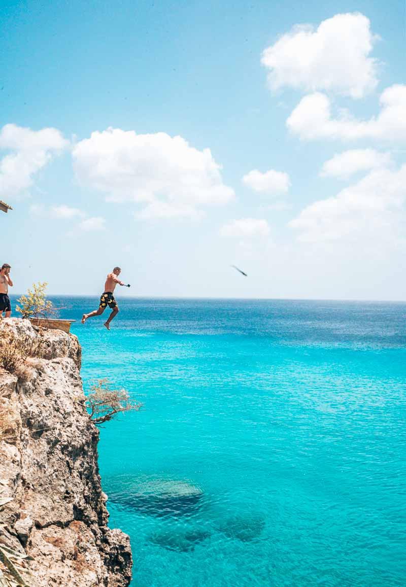cliff jump playa forti