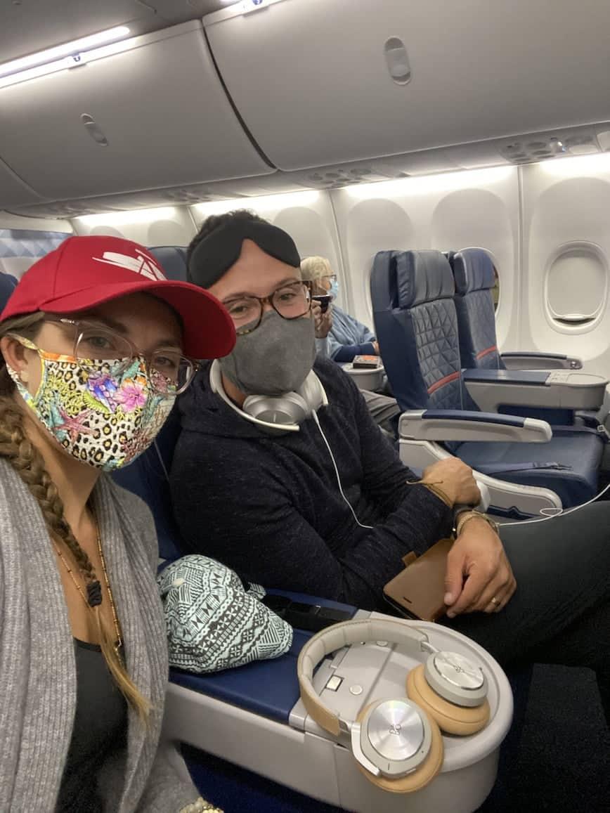 masked couple redeye delta plane