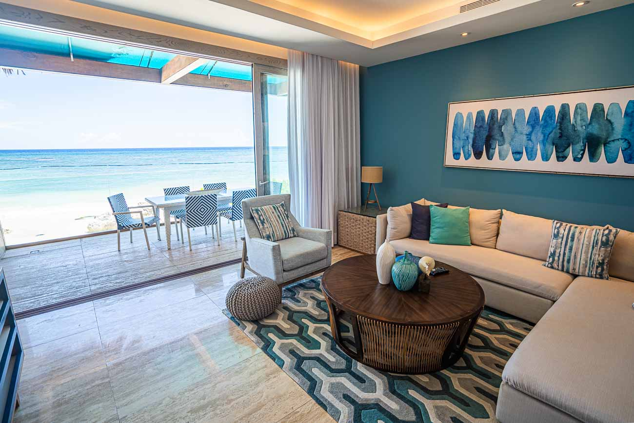 beachfront suite in hotel