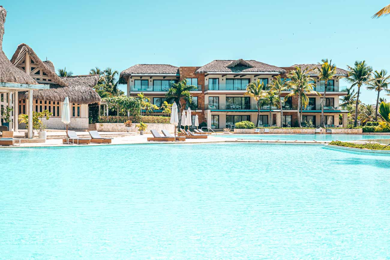 swimming pool eden roc cap cana