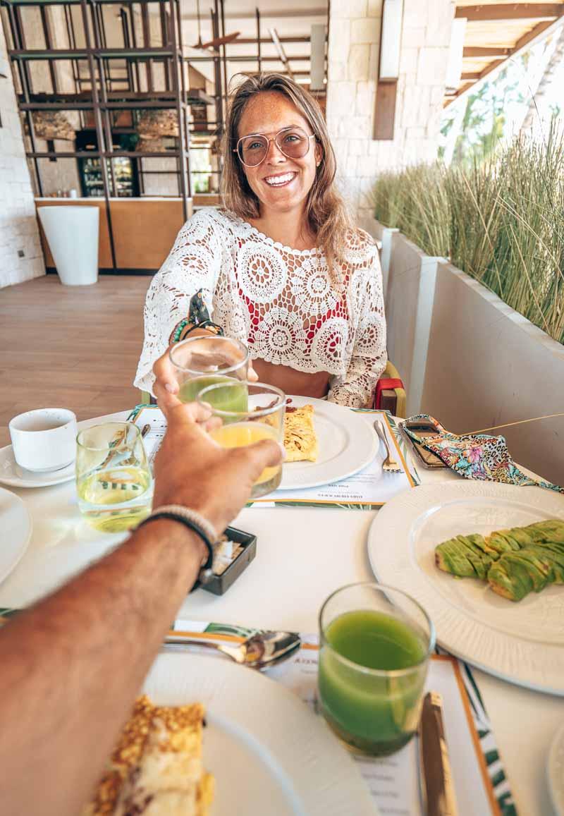 breakfast with green juice