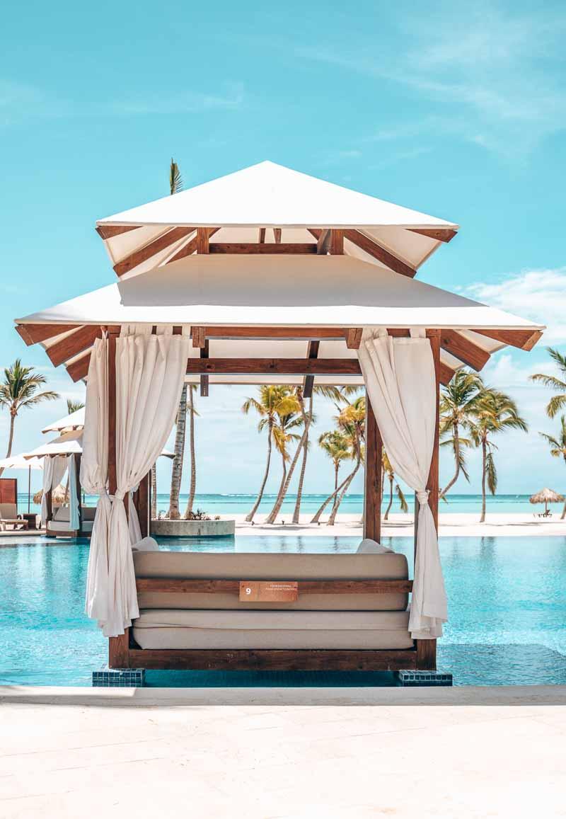 hotel pool cabana