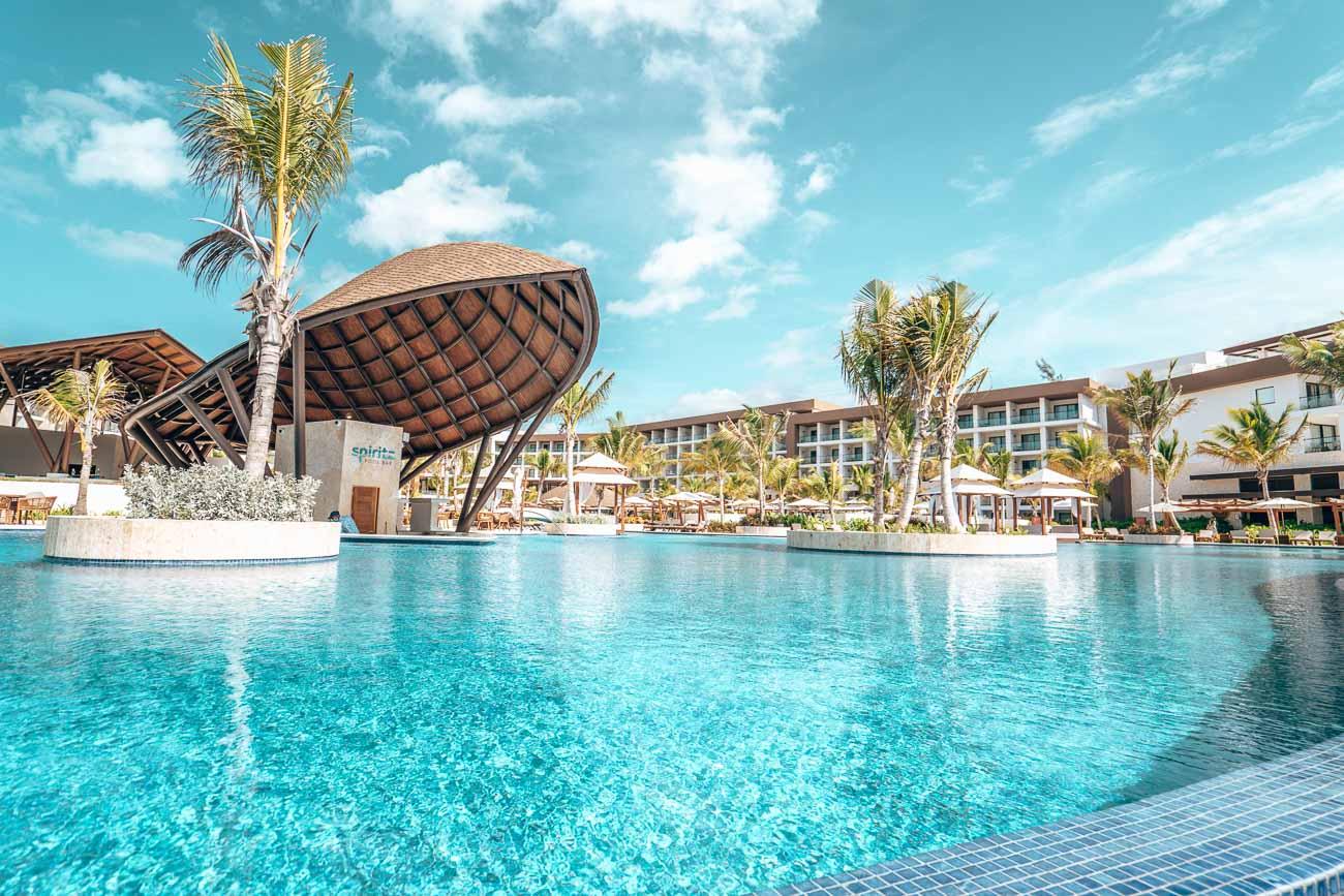 ziva pool area hotel
